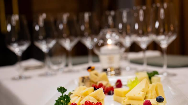 Degustazione di stuzzichini durante il wine tasting